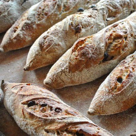 Хлеб на закваске и cдоба с Денисом Суховием