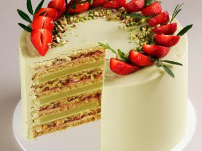 Pistachio – Camembert and Wild Strawberry Honey Cake